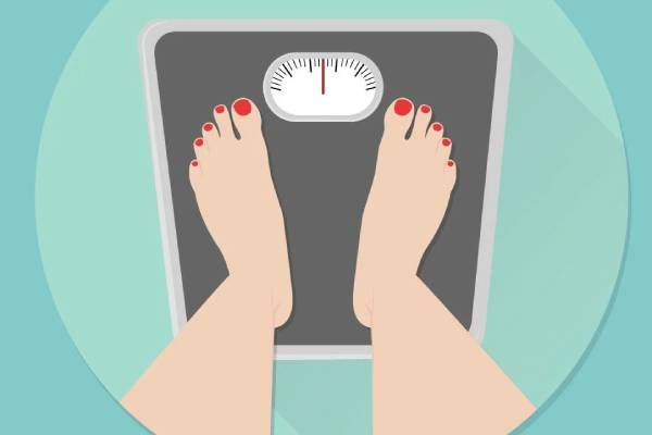 Lose weight correctly. Do not count calories and eat before bedtime. Yes, by the way, soda without sugar makes us fat.